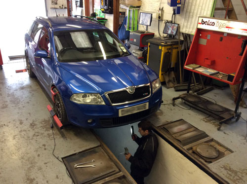 Laser Wheel Alignment on a Skoda Octavia VRS